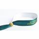Kundenspezifische Festival-Textil-Armbänder aus recyceltem PET mit einer Holzperle.
