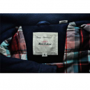 Garment-Tag mit permanentem Marker-Schriftzug